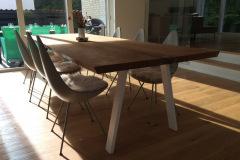 Plankebord med rustik olie