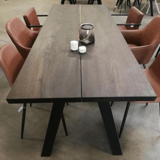 Plankebord klar til salg røget eg