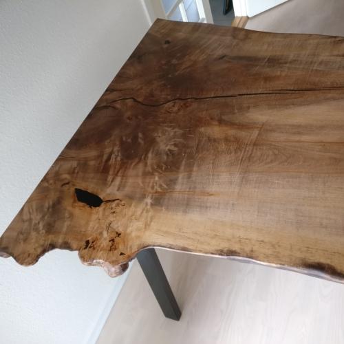 Højbord i ask med naturkanter