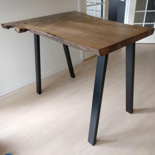 Højbord i ask med skrå ben høj med valnød olie