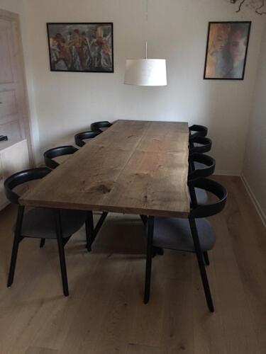 Plankebord-eg-med-2-planker-ibenholt-olie