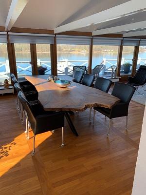 Plankebord  europæisk valnød i 1 planke med stjernestel