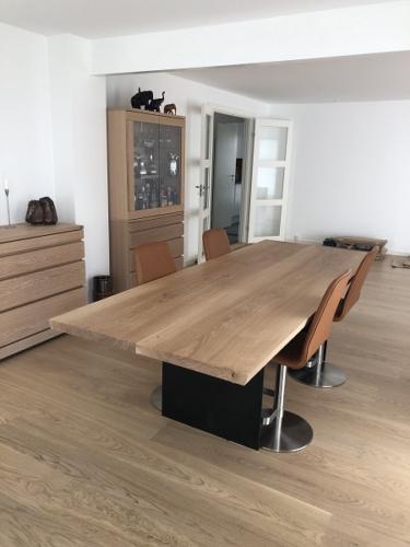Plankebord eg med 2 planker, hvid olie og gavl stel
