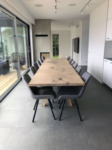 Plankebord i eg 1 planke 100 x 360 cm med hvid olie og 90 graders kanter