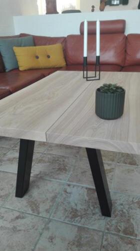 Sofabord-i-ask-med-hvid-olie-og-skrå-ben