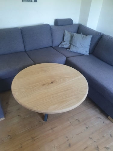 Sofabord i eg med hvid olie og stjernestel til sofabord