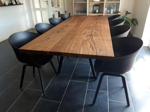 Plankebord i amerikansk valnød 2 planker med skrå ben